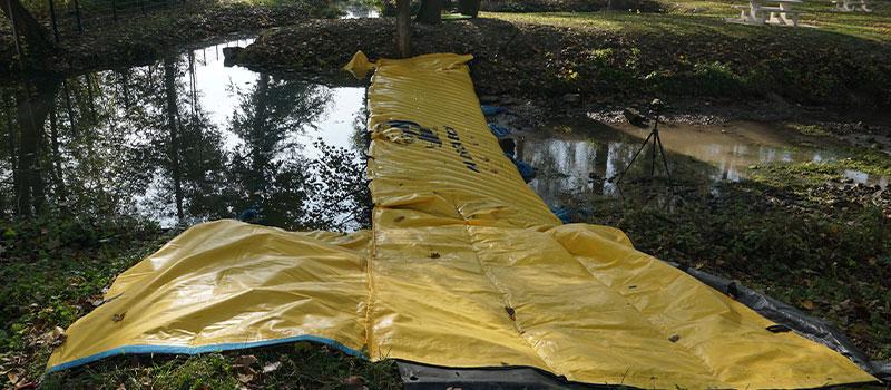 """Avvikelse från en flod med flexibel koffert Water-Gate ©."""" La Retourne """"i Bergnicourt."""