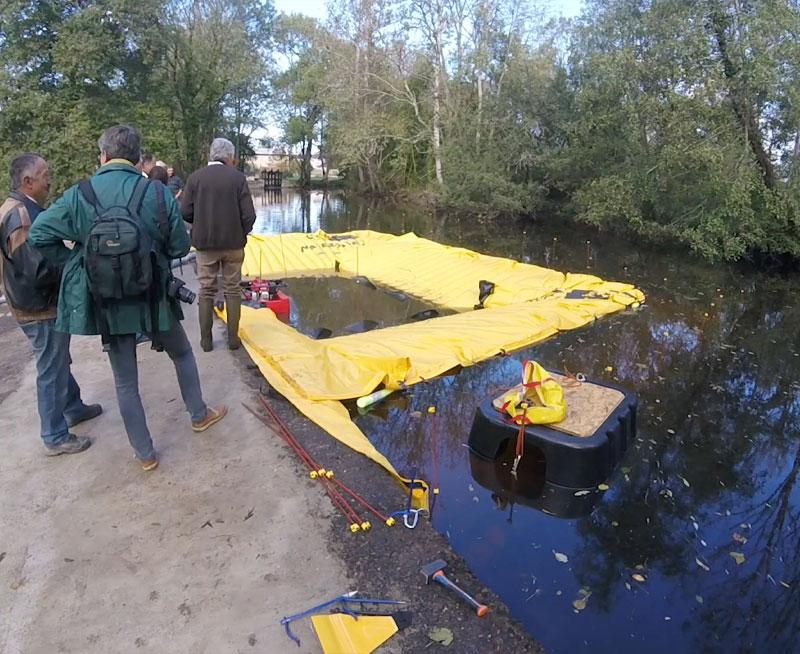 U-formad kista - Stöds på en enda bank - Moulin de la Forge de Rancogne