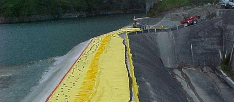 Fortuna Dam   Panama   Höjning av spillvatten från en vattenkraftsdamm.